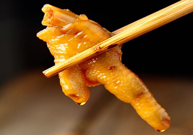 无骨鸡爪卤味休闲食品代加工厂家,是怎样确保食品安全的?